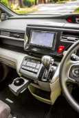 Honda Stepwgn, 2015 год, 1 215 000 руб.