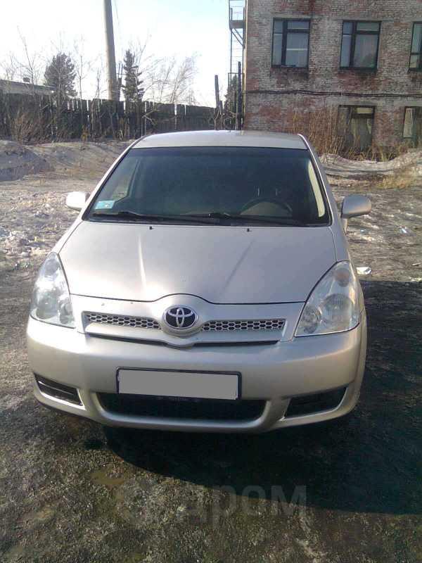 Toyota Corolla Verso, 2005 год, 499 000 руб.