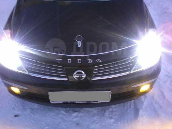 Nissan Tiida Latio, 2004 год, 285 000 руб.