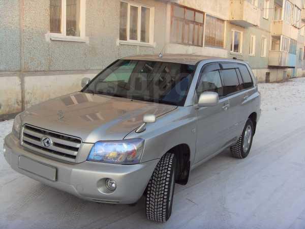 Toyota Kluger V, 2005 год, 780 000 руб.