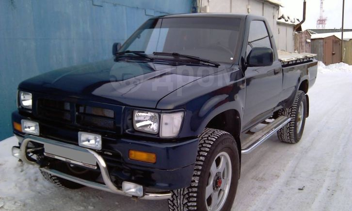 Toyota Hilux Pick Up, 1994 год, 500 000 руб.