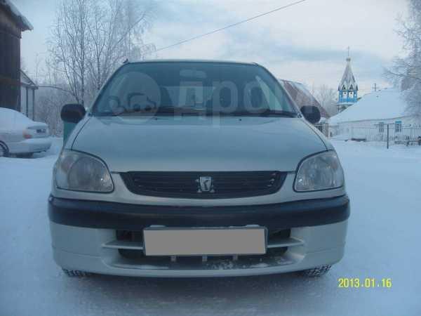 Toyota Raum, 2001 год, 265 000 руб.