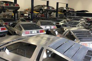 Десятки DeLorean DMC-12 укрыли в ангаре из-за урагана Дориан (ФОТО)