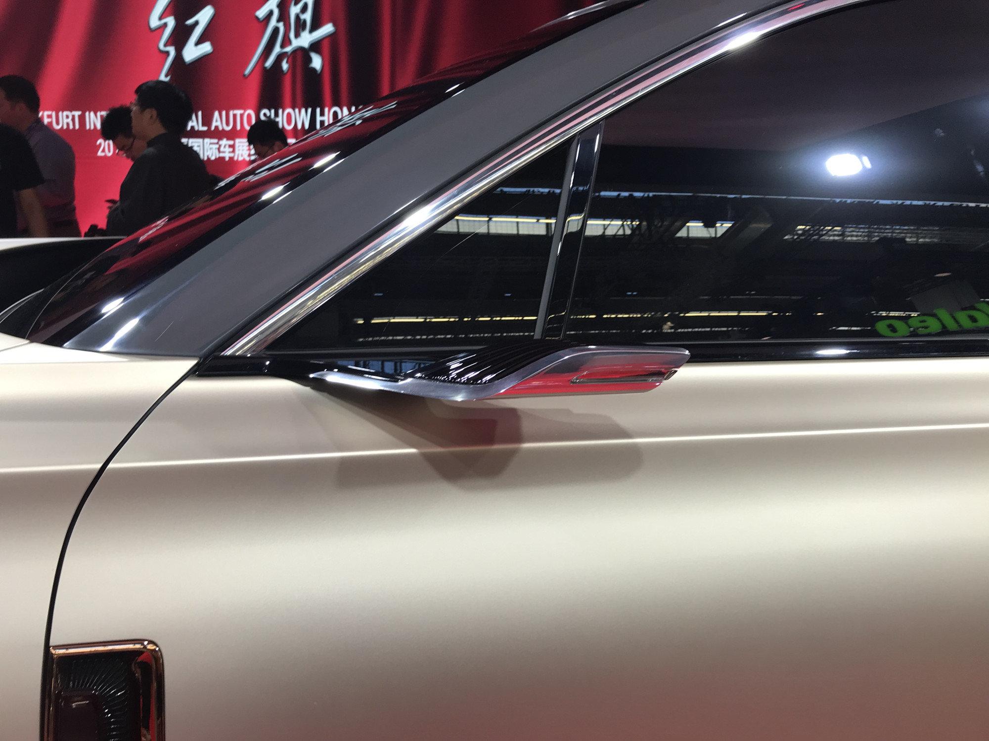 Китайцы показали, какой автомобиль для них нарисовал бывший дизайнер Rolls-Royce