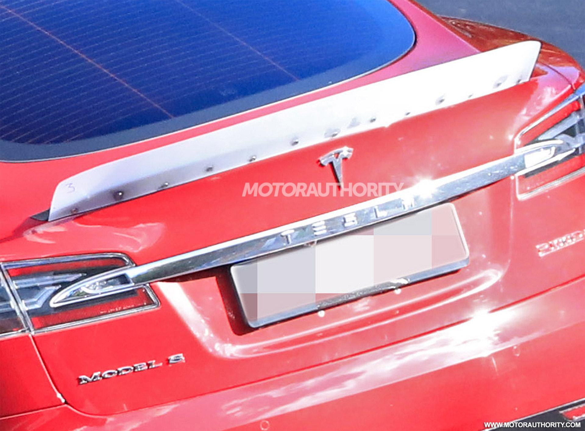 Возле Нюрбургринга обнаружили прототип новой модификации Tesla Model S