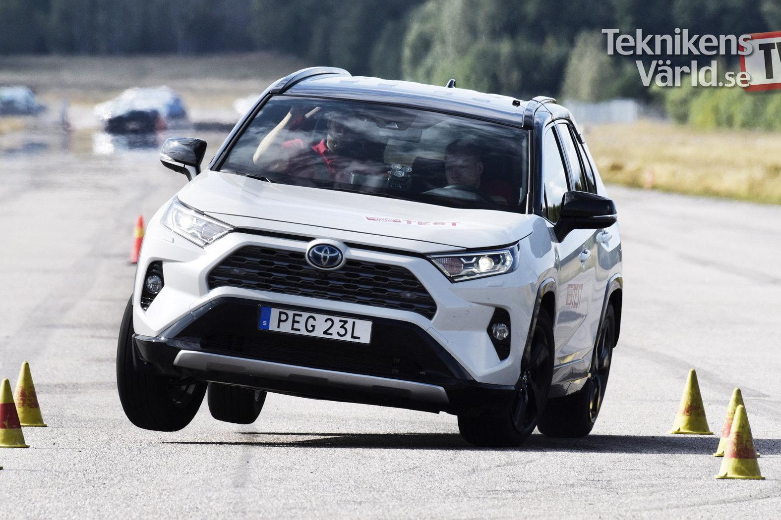 Новая Toyota RAV4 провалила «лосиный тест»