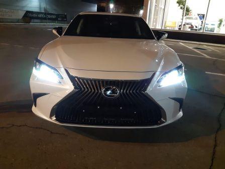 Lexus ES250 2018 - отзыв владельца