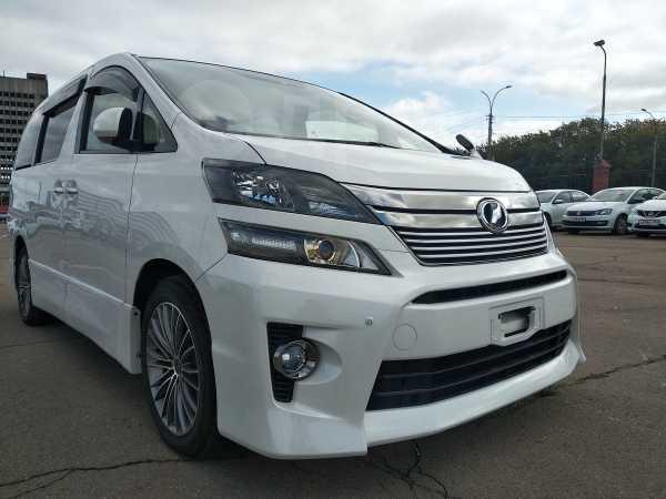 Toyota Vellfire, 2014 год, 1 800 000 руб.