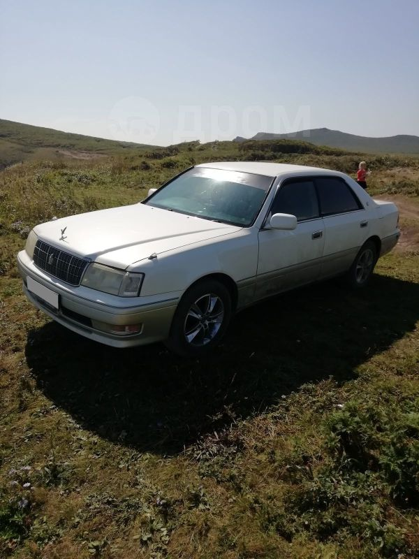 Toyota Crown, 1999 год, 330 000 руб.
