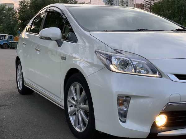 Toyota Prius PHV, 2014 год, 1 049 000 руб.