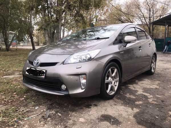 Toyota Prius, 2011 год, 600 000 руб.