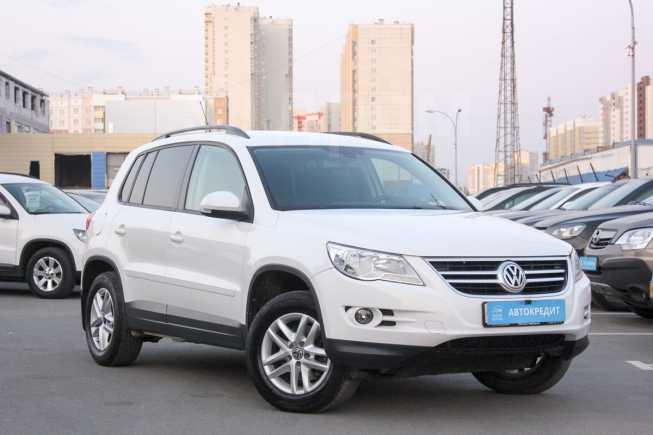 Volkswagen Tiguan, 2011 год, 749 000 руб.