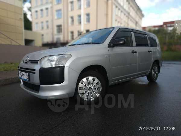Toyota Probox, 2014 год, 555 000 руб.