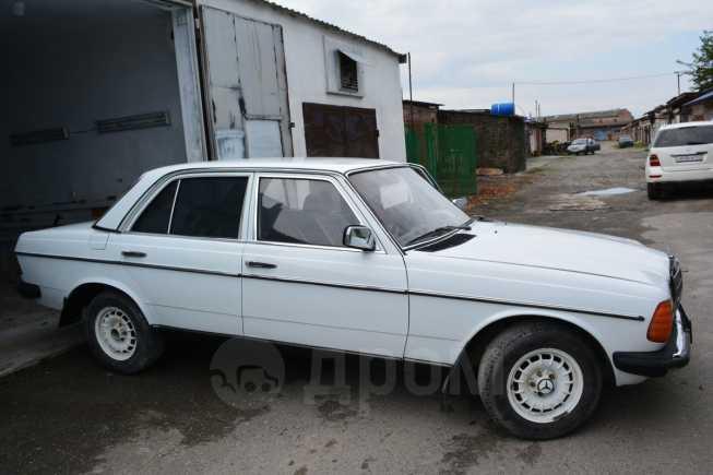 Mercedes-Benz E-Class, 1982 год, 150 000 руб.
