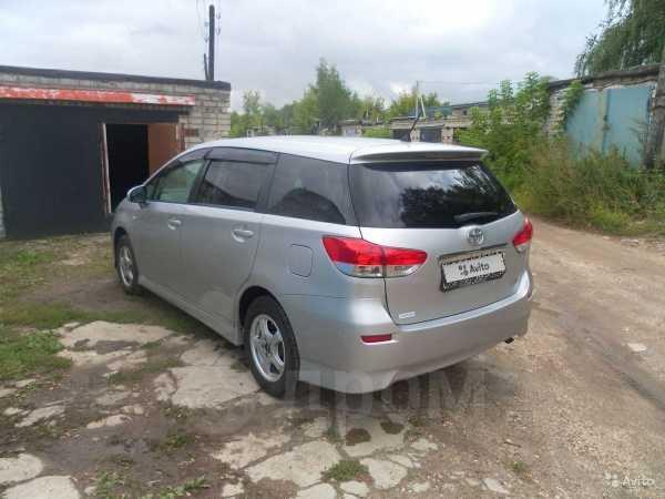 Toyota Wish, 2011 год, 810 000 руб.