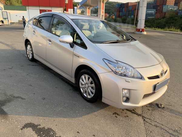 Toyota Prius, 2011 год, 675 000 руб.