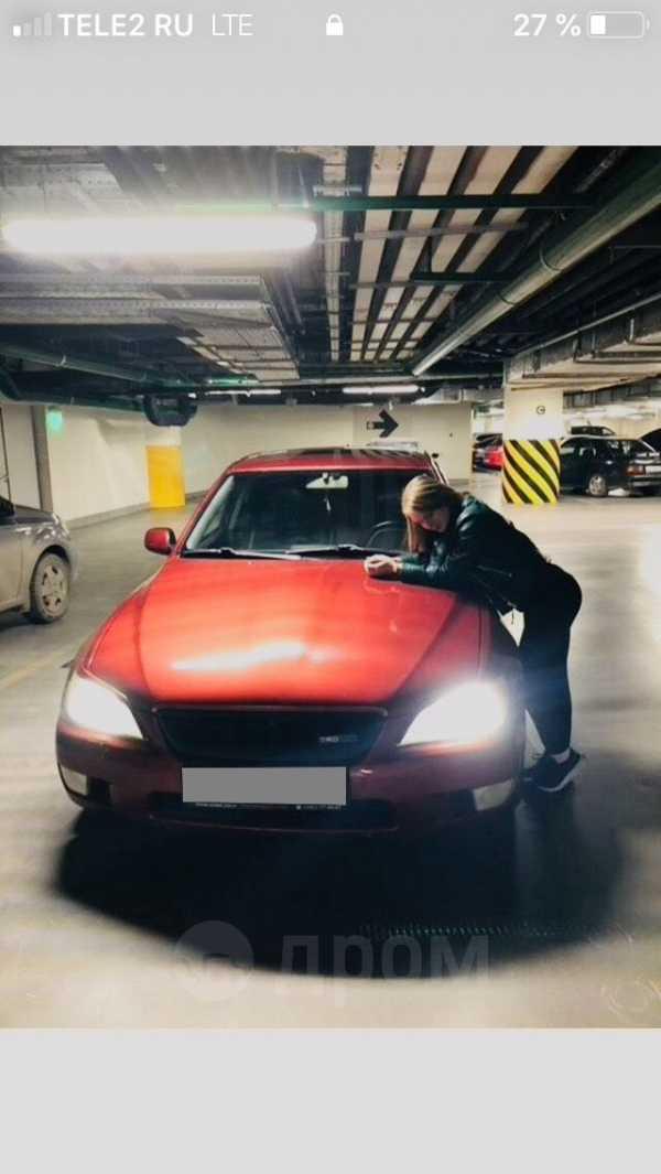 Lexus IS300, 2000 год, 300 000 руб.