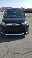Toyota Voxy, 2017 год, 1 450 000 руб.