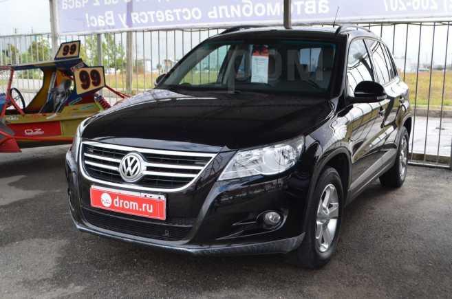 Volkswagen Tiguan, 2010 год, 665 000 руб.