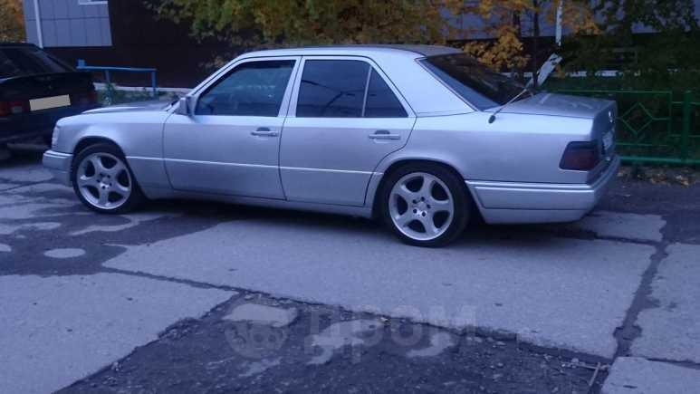 Mercedes-Benz E-Class, 1994 год, 320 000 руб.