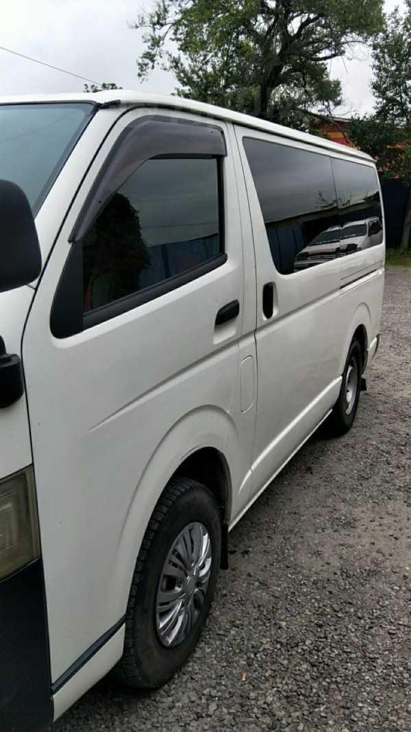 Toyota Hiace, 2005 год, 680 000 руб.