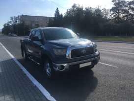 Кызыл Toyota Tundra 2007