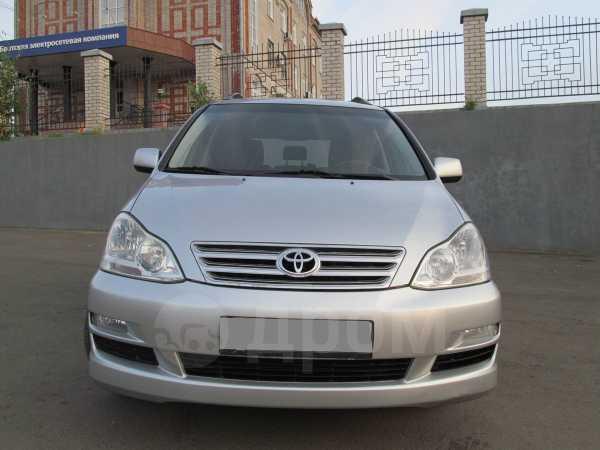 Toyota Avensis Verso, 2004 год, 590 000 руб.