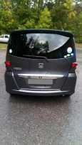 Honda Freed, 2010 год, 560 000 руб.