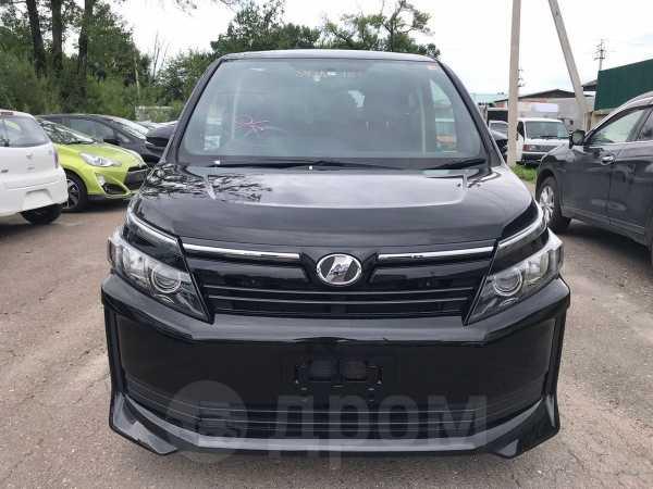 Toyota Voxy, 2014 год, 1 180 000 руб.