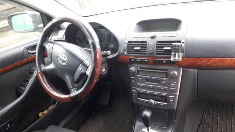 Toyota Avensis, 2006 год, 565 000 руб.