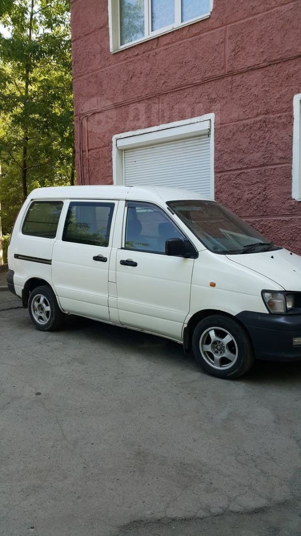 Toyota Town Ace, 2001 год, 239 000 руб.