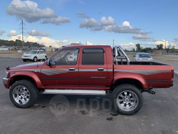 Toyota Hilux Pick Up, 1992 год, 800 000 руб.