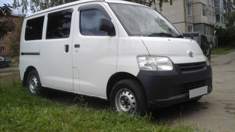 Toyota Town Ace, 2009 год, 417 000 руб.