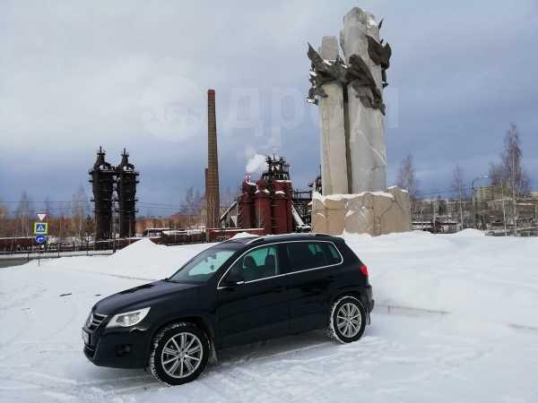 Volkswagen Tiguan, 2010 год, 743 000 руб.