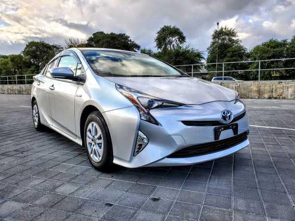 Toyota Prius, 2018 год, 1 230 000 руб.