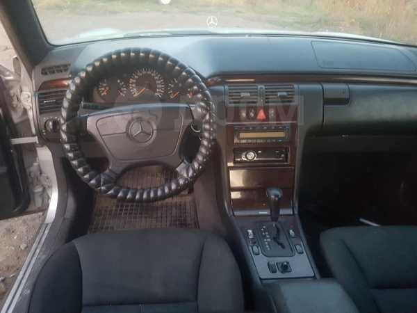 Mercedes-Benz E-Class, 1998 год, 120 000 руб.