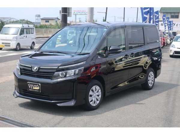 Toyota Voxy, 2016 год, 1 150 000 руб.