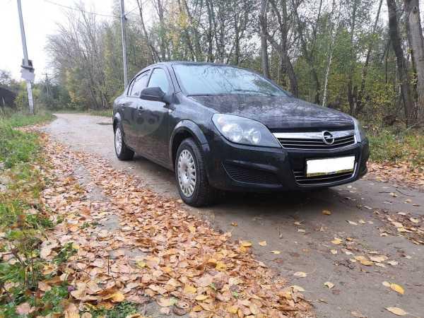 Opel Astra Family, 2013 год, 399 000 руб.