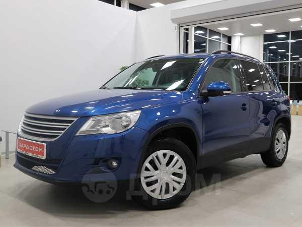 Volkswagen Tiguan, 2010 год, 647 000 руб.