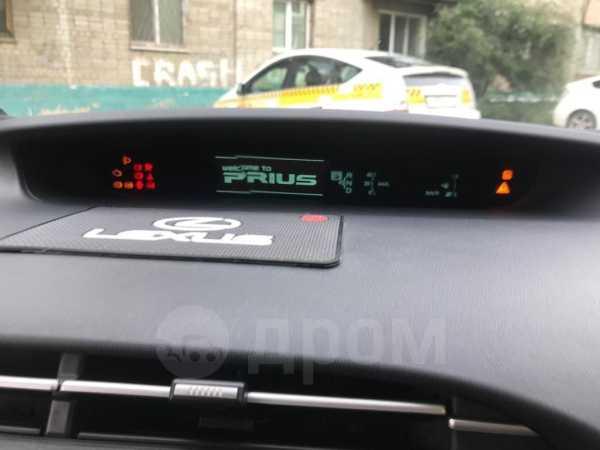 Toyota Prius, 2010 год, 600 000 руб.
