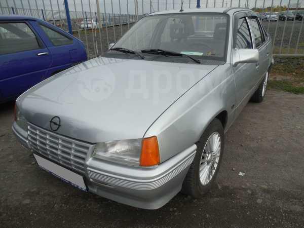 Opel Kadett, 1986 год, 130 000 руб.