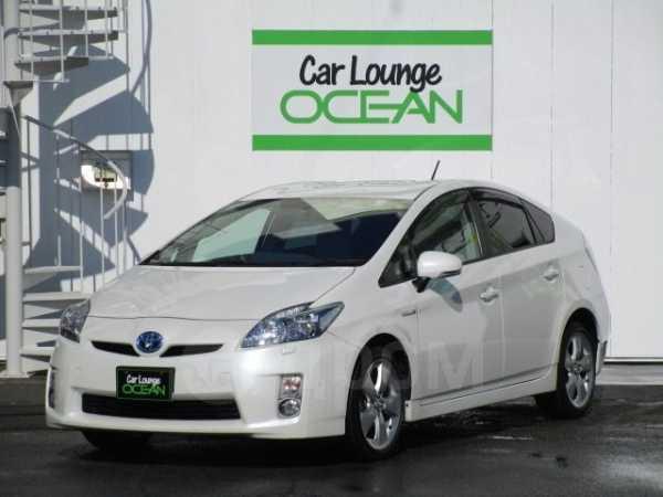 Toyota Prius, 2011 год, 670 000 руб.
