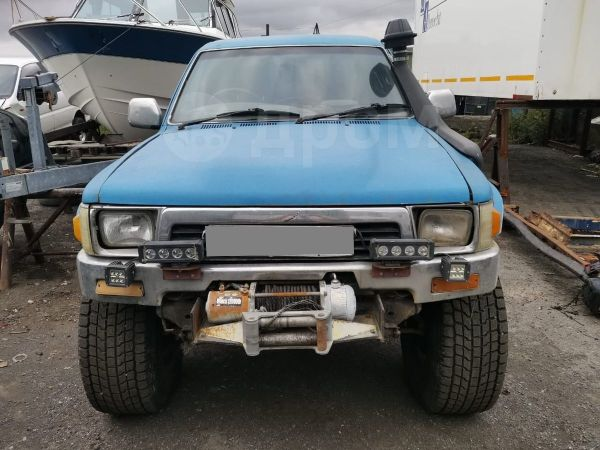 Toyota Hilux Pick Up, 1990 год, 490 000 руб.