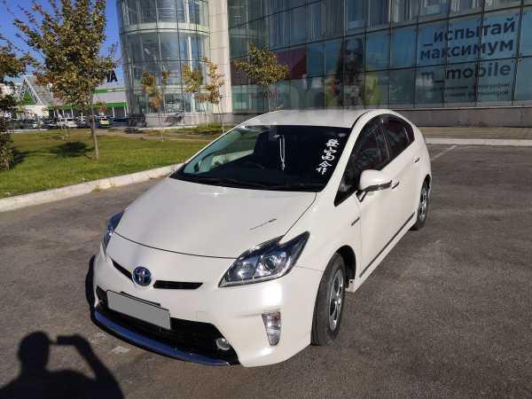 Toyota Prius, 2014 год, 1 000 000 руб.