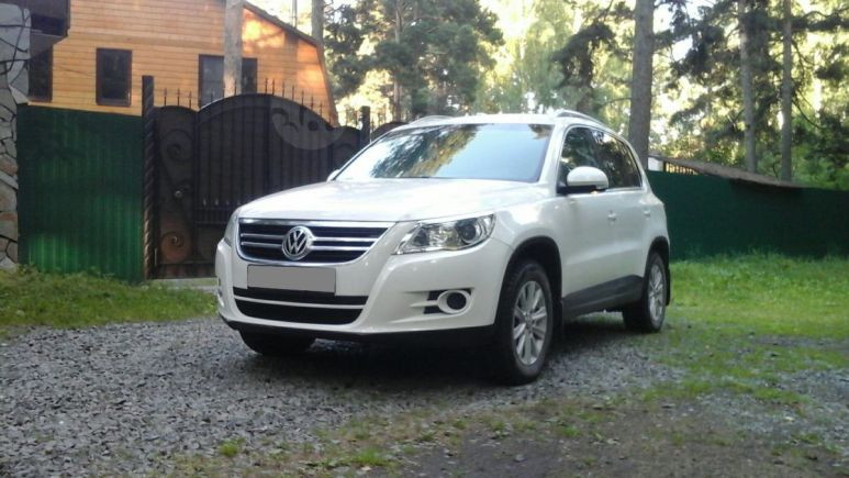 Volkswagen Tiguan, 2008 год, 475 000 руб.
