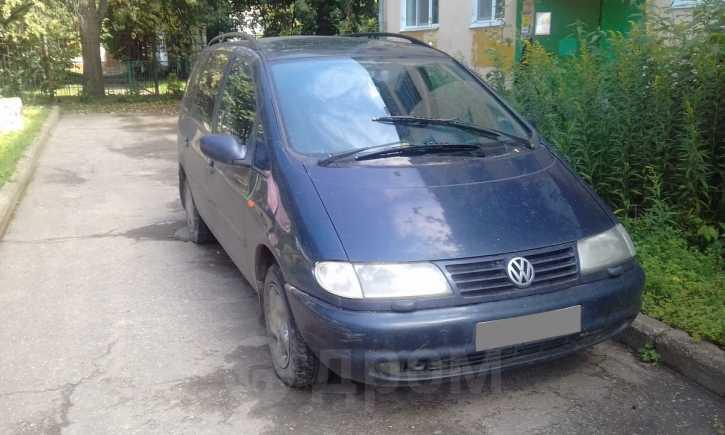 Volkswagen Sharan, 1997 год, 160 000 руб.