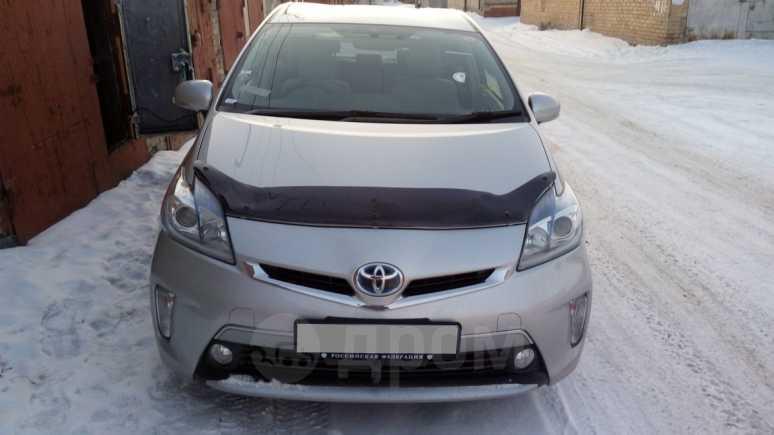 Toyota Prius PHV, 2013 год, 900 000 руб.