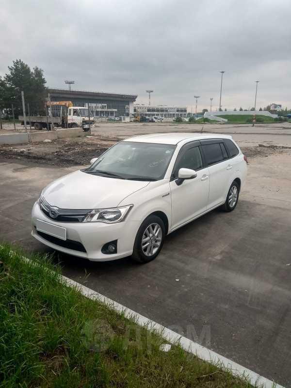 Toyota Corolla Fielder, 2014 год, 850 000 руб.