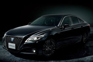В Японии представили Toyota Crown в версии Sport Style