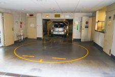 Новый выпуск продолжает тему парковок, начатую две недели назад.